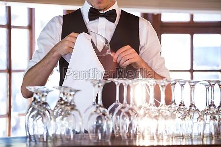 restaurante trabajo masculino caucasico europeo uniforme