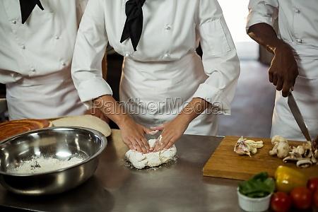 seccion media del jefe de cocina