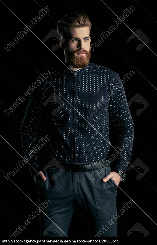 elegante, hombre, barbudo, guapo, de, pie - 20508515