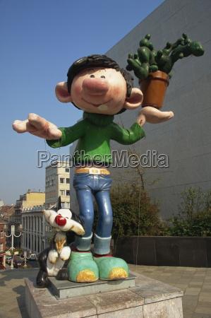arte humor escultura europa lugares al