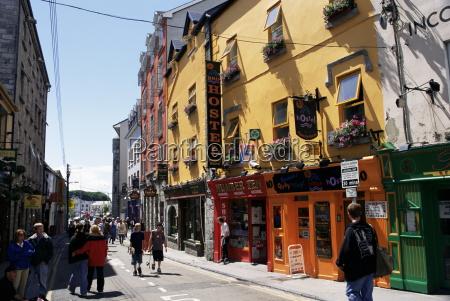 paseo viaje ciudad color caucasico europeo