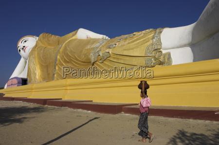 paseo viaje religioso arte color estatua