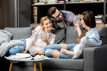 personas gente hombre mujer mujeres amistad