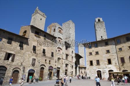 towers piazza della cisterna san gimignano