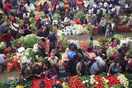 mercado de productos de produccion chichicastenango