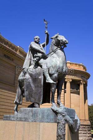 caballo estatua australia al aire libre