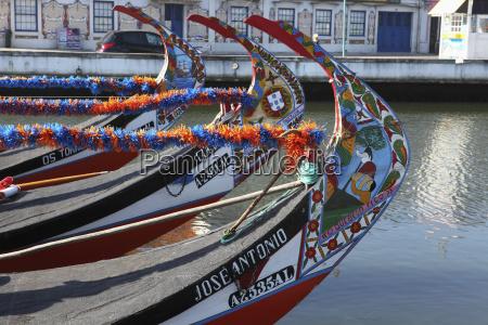 paseo viaje trafico turismo colorido europa