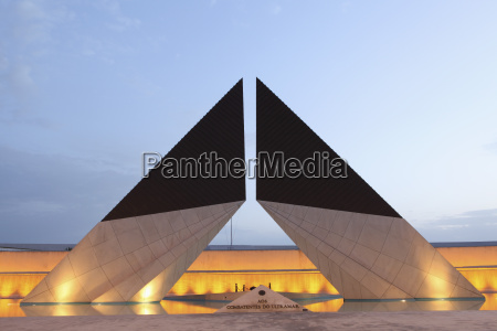 paseo viaje arquitectura historico monumento moderno
