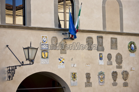 badge crests on the town hall