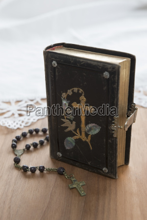 religion color antiguo cuero ornamento posicion