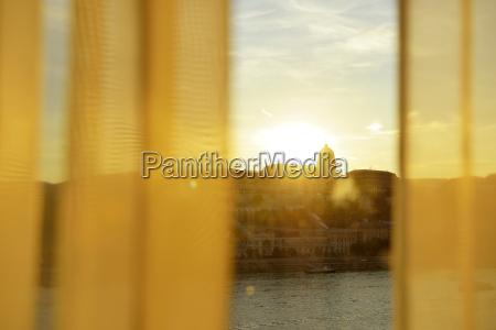 paseo viaje ventana puesta del sol