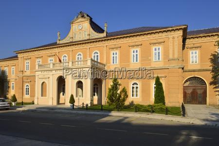 montenegro vista del edificio gubernamental y
