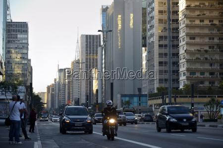 personas gente hombre paseo viaje ciudad