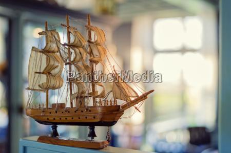 ventana madera alemania velero barco con