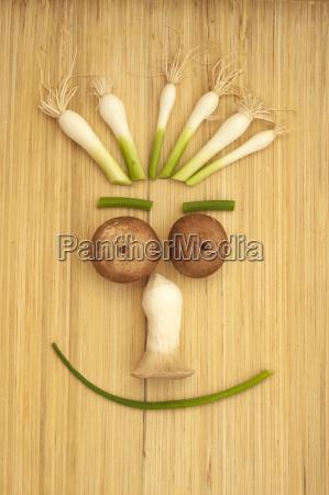 cara de verdura sacial feliz con