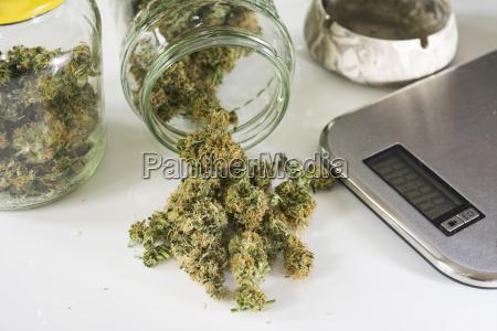 vidrio vaso inclinacion fotografia foto droga