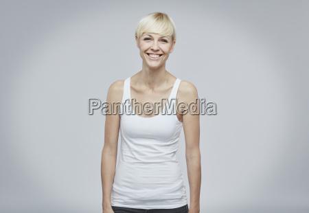 risilla sonrisas retrato vista frontal optimista