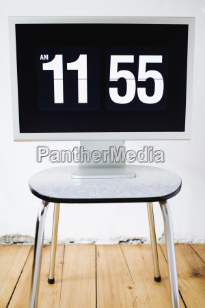 monitor pantalla que demuestra tiempo