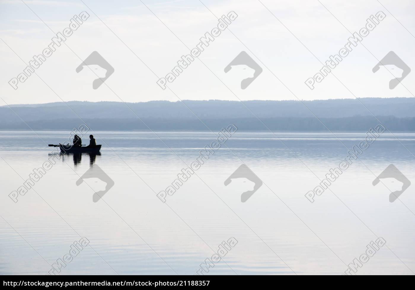 alemania, baviera, pescadores, en, barco, en, ammersee - 21188357