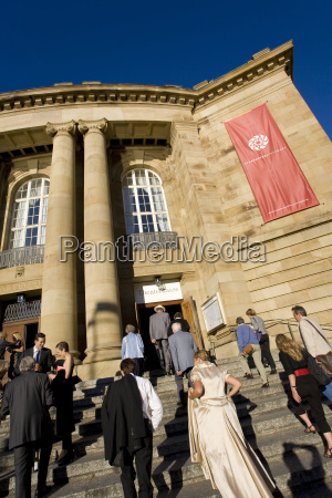 alemania baden wurtemberg teatro estatal visitantes