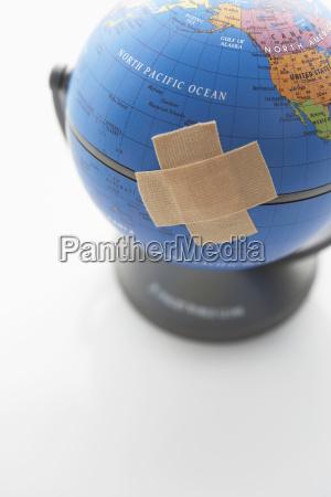 vendaje adhesivo en globo