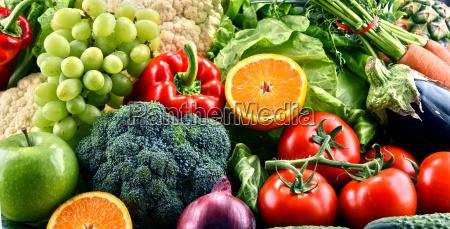 surtido de verduras y frutas organicas
