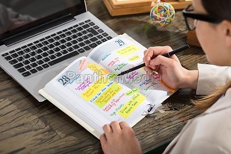 horario de escritura de empresarios en
