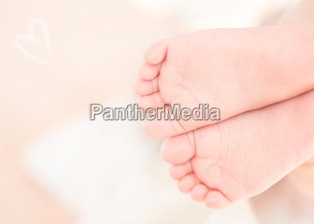 pequenyos pies lindos del bebe