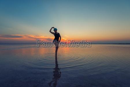 puesta de sol de belleza en
