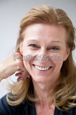 risilla sonrisas primer plano retrato vista