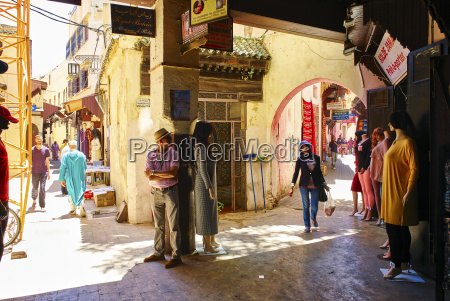 the busy alleys of the medina