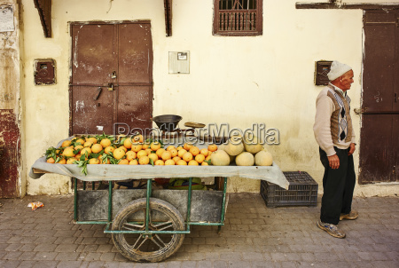 fresh oranges stall in the medina
