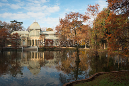 crystal palace in the buen retiro