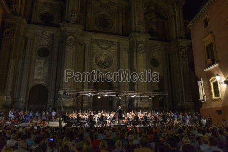 paseo viaje iglesia concierto noche espanya