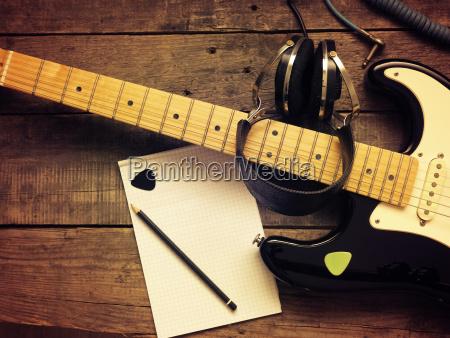 personas gente hombre objeto musica sonido