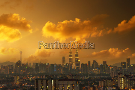 kuala lumpur skyline sunset