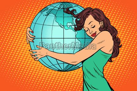 mujer abrazando la tierra america continental