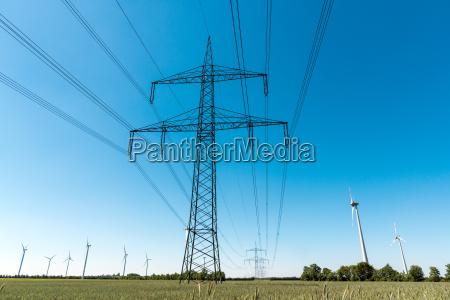 postes de electricidad y lineas de