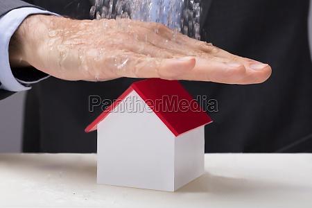 entregue el modelo de la casa