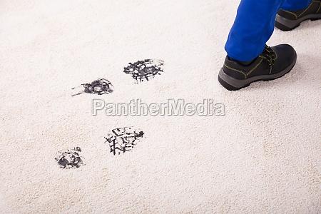zapatos suciedad barro alfombra zapatos de