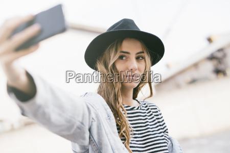 retrato de la joven de moda