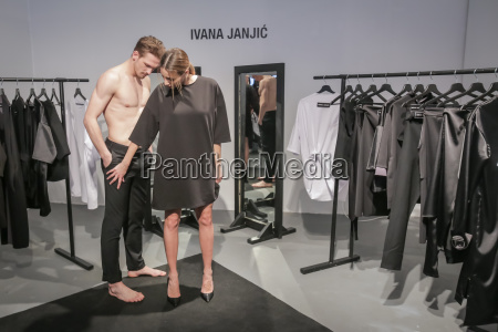 mujer mostrar moda estilo de vida