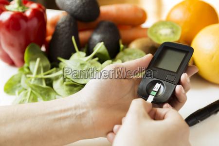 monitor de diabetes dieta y alimentos