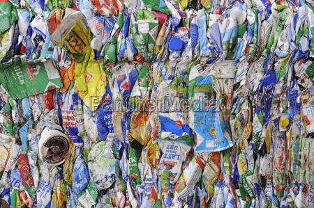 detalle primer plano desierto residuos embalaje