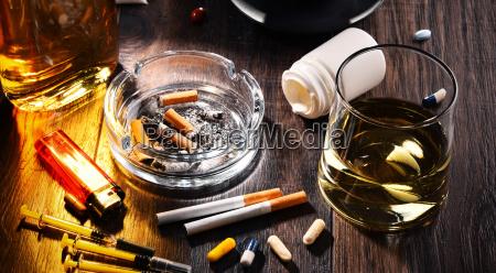 beber bebida alcohol inclinacion pastillas las