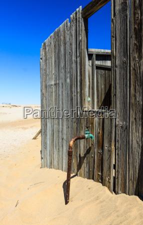 desaparecer azul primer plano desierto madera