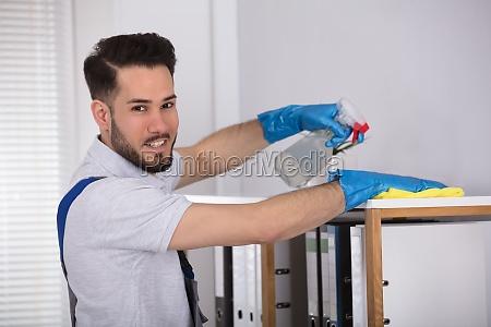 oficina hombres hombre lugar de trabajo