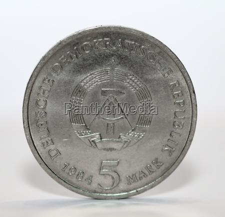 medios de pago moneda plata impuesto