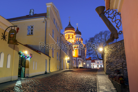alexander nevsky cathedral at night in