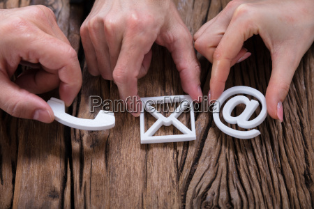 manos montaje contacto iconos